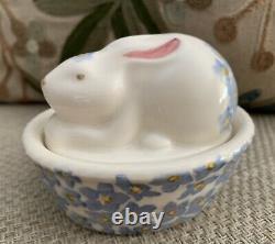 Bn, Emma Bridgewater Forget Me Not Bunny On Basket Coddler