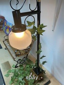 Vintage Cindy McClure Forget Me Not Doll Bench And Lamp Post